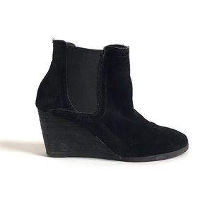 Lucky Brand Serkes Suede Wedge Booties size 6